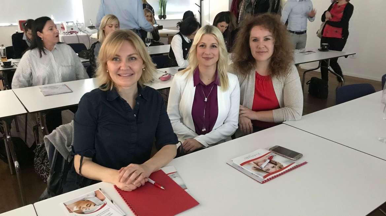 Ekipa Inštituta za dermatologijo na seminarju dr. Eckarta Vossa